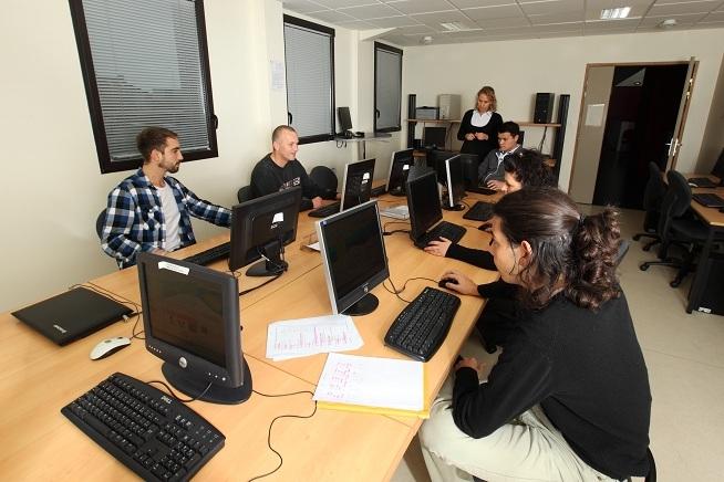 Formation bureautique et nouvelles technologie au CLPS à Lannion en Bretagne.