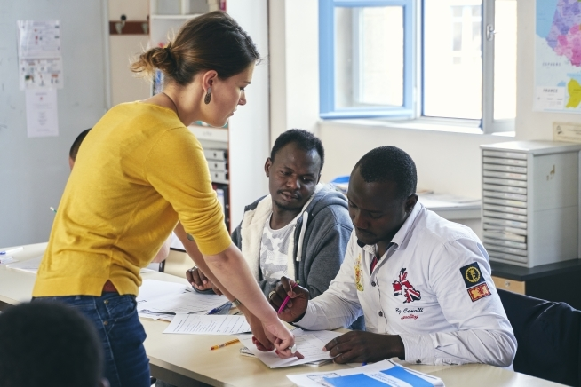formation aux compétences en français pour le retour a l'emploi au CLPS a Lannion