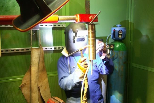 atelier soudage industriel avec 12 cabines au centre de formation CLPS à Redon