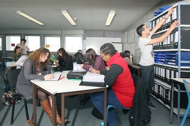 espace ressources documentaires du centre de formation CLPS à Saint-Brieuc