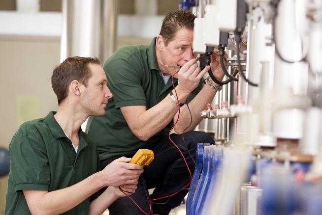 formation technicien de maintenance industrielle avec le CLPS Bretagne