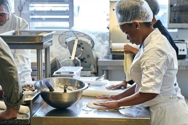 formation commis de cuisine en alternance dans le Finistère au CLPS