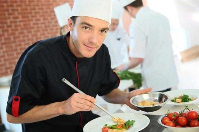 formation commis de cuisine en contrat de professionnalisation au CLPS à Brest