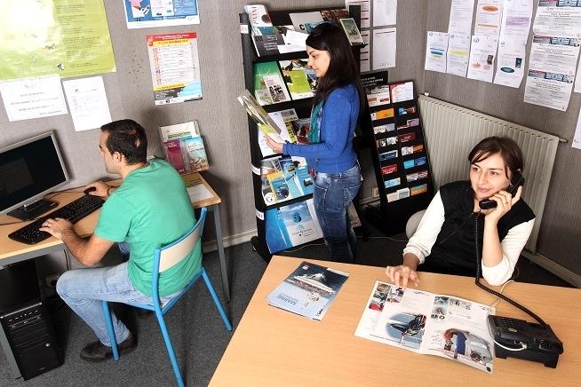 formation conseiller relation client à distance au CLPS à Saint-Brieuc