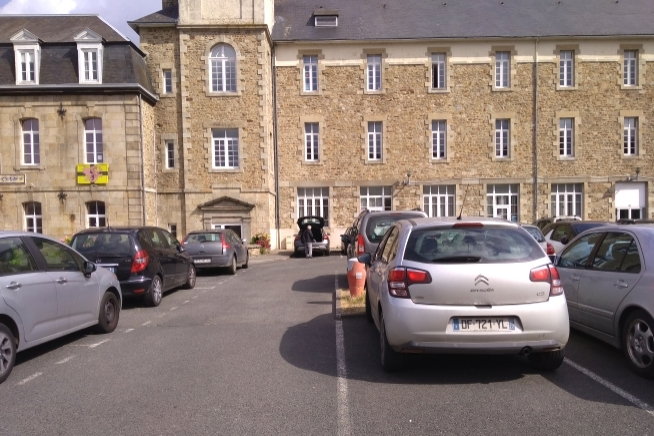 vue extérieure du CLPS à Guingamp rue auguste pavie