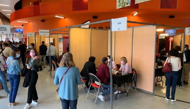 Le CLPS présent lors du salon 24h pour l'emploi à Brest