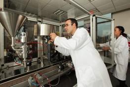 Perfectionnement professionnel en conduite d'équipements industriels