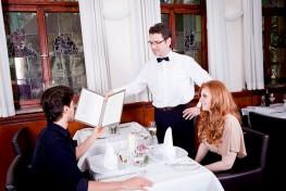 formation de serveur et serveuse en restaurant bar brasserie en alternance en bretagne au clps brest